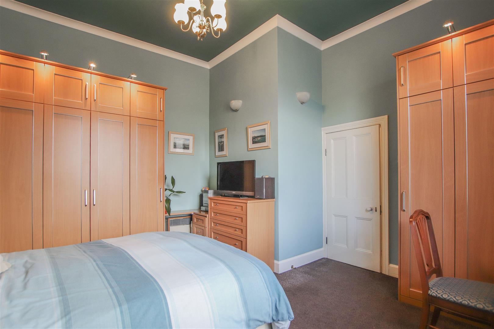 3 Bedroom Mid Terrace House For Sale - 28.JPG